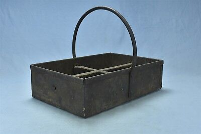 Antique METAL TOOL CARRIER HOD with HANDLE & DIVIDED COMPARTMENTS PRIMITIVE 5383 ()