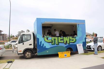 FULLY-EQUIPPED MOBILE FOOD TRUCK FOR SALE