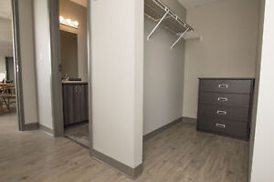 Steps to Laurier - Fully Furnished! King/Ezra - Free WIFI!
