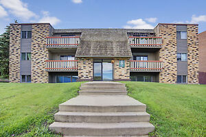 Great Location - 2 Bedroom Apartment -(306) 314-0448