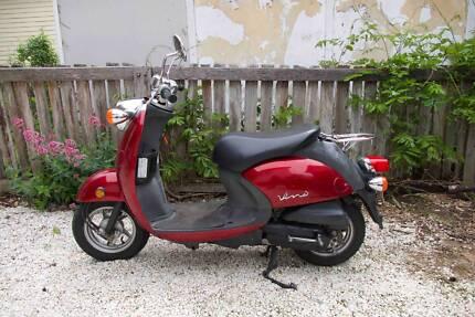 Yamaha Vino 50cc Scooter 2006