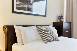 Weekly 1 bedroom furnished suite available in the best location!