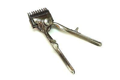 Alter Haarschneider