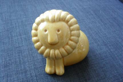 FREEDOM FURNITURE LION Porcelain Animal Ornament Statue AS NEW ! Sandy Bay Hobart City Preview