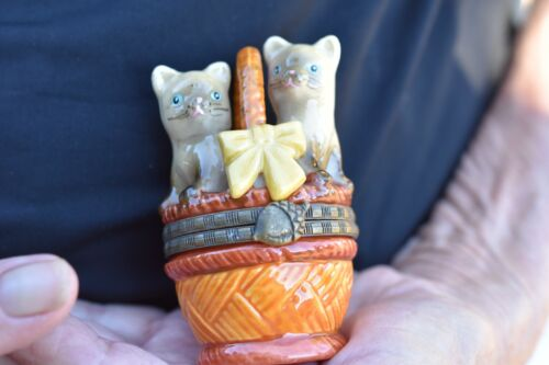 Hinged Lid Trinket/Pill BoxTabby Cat Topper2 Siamese kittens