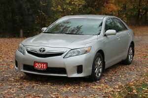 2011 Toyota Camry Hybrid only 78K   Accident-FREE   CERTIFIED