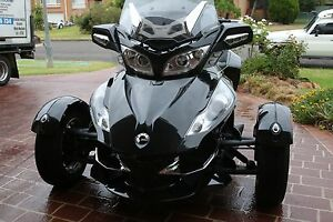 2010 Can-Am Spyder RT-S SM5 Premiere Edition Windsor Hawkesbury Area Preview