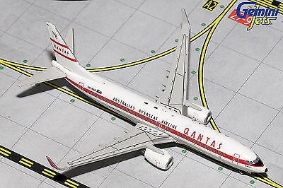 Gemini Jets Qantas Boeing 737-800 Retro Roo II GJQFA1556 1/400 REG# VH-VXQ. New