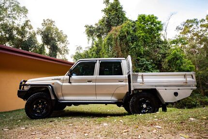 Toyota Land Cruiser duel cab Bungalow Cairns City Preview