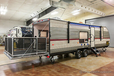 New 2018 26RR Small Lite Lightweight Toy Hauler Travel Trailer Camper For Sale