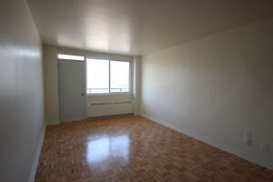 Renovated 1 bedroom -Available March 1st - Downtown - ATWATER