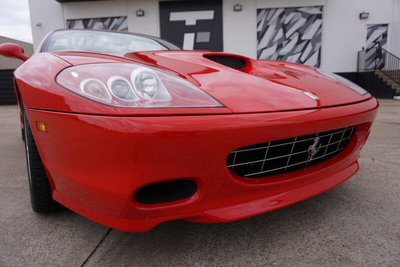 Image 2 Voiture Européenne d'occasion Ferrari Superamerica 2005
