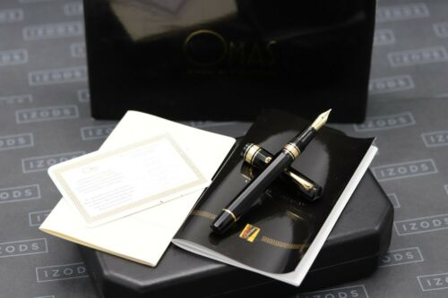 Omas Dama Black Cotton Resin Fountain Pen