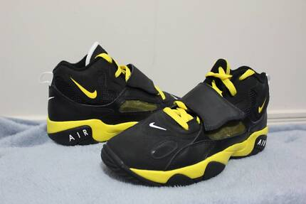 Nike Air Basketball Shoes Size 6.5Y U.S. Warner Pine Rivers Area Preview