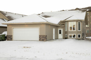 Open Concept Bi-Level with Double Attached Garage - Available!