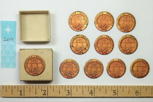 """10 Vintage Metal Seals Stickers """"Christmas Greetings"""" Red Gold, Stanley Mfg. Co."""