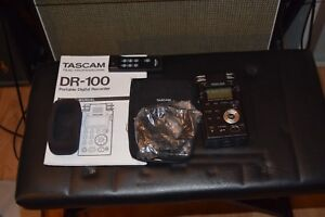 Tascam DR-100 digital recorder - as new, ready to go.