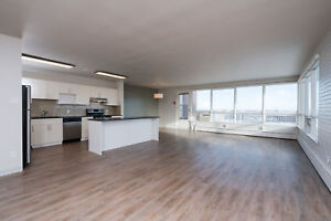 Beautiful 2 Bedroom Penthouse Suite with Move In Bonus