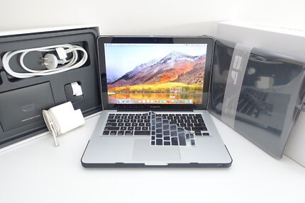 Macbook Pro 13inch 2010 + 320gb 4gb Intel + NEW BATTERY!