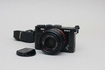 Sony RX1R II in good used condition