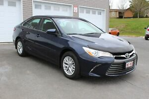 2016 Toyota Camry LE! LOW KMS! 2 SETS OF TIRES!