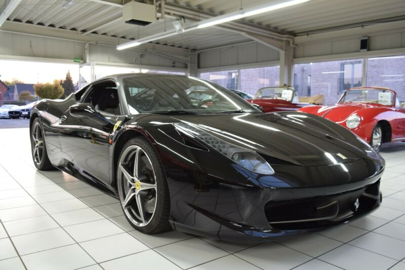 Ferrari 458 Italia/2 tone/Full options/Karbon Schalen