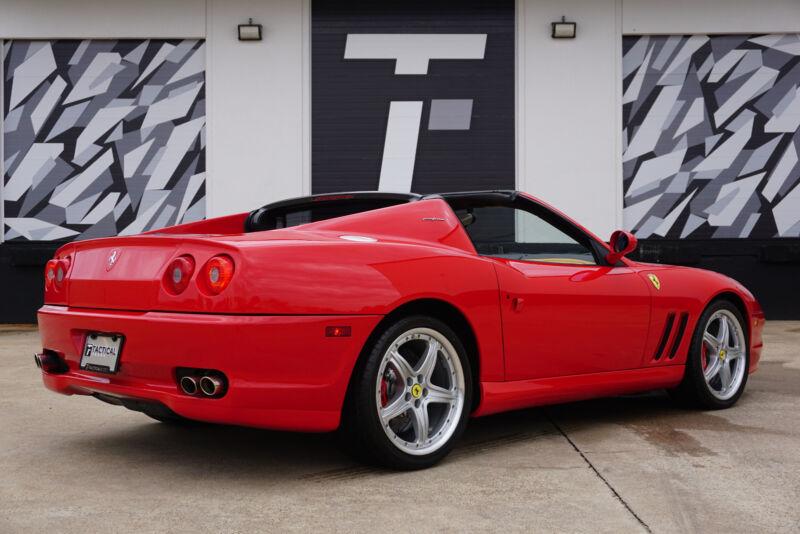 Image 15 Voiture Européenne d'occasion Ferrari Superamerica 2005