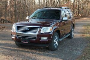 2008 Ford Explorer Limited 4x4 / NAV / DVD / Sunroof / Leather