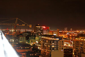 City Skyline Views Apartment in Old Montreal- Prime Location