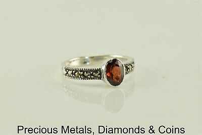 Sterling Silver Bezel Set .50ct Garnet Marcasite Accented Band Ring 925 Sz: 7