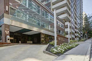 Downtown, gorgeous unit in luxury building, Golden Mile location