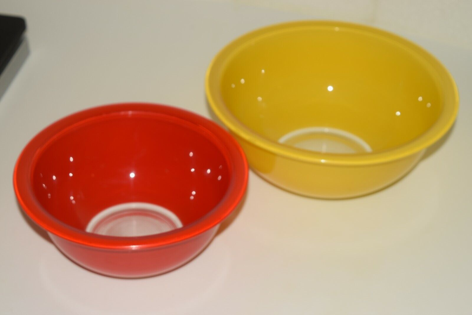 Pyrex 2 Clear Bottom Mixing Bowls 322 Red 323 Yellow - $14.00