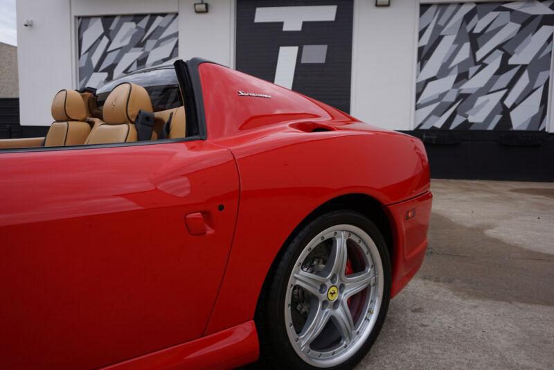 Image 7 Voiture Européenne d'occasion Ferrari Superamerica 2005