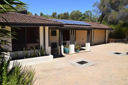Newly renovated 3 x 2 House walking distance to Freo $400 / wk