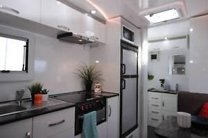 2017 Goldstar RV Liberty Tourer Hot water system 881