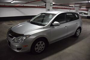 Hyundai Elantra Touring 5 Speed Manual car | LOW KMS
