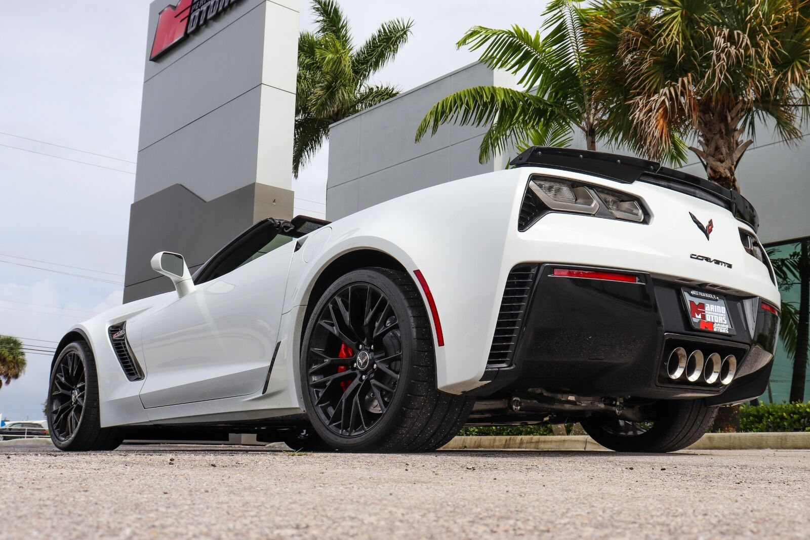 2015 White Chevrolet Corvette Z06  | C7 Corvette Photo 5