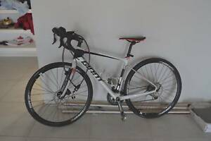 700 c Giant 2018  Contend Road Bike