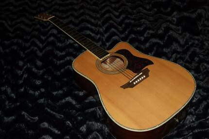 Acoustic cut away Guitar... Beautiful condition