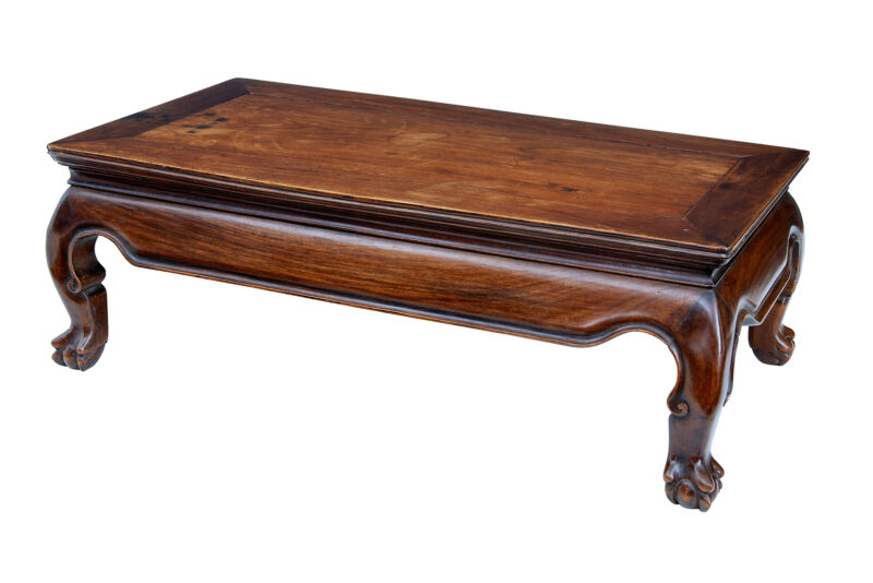 19TH CENTURY SMALL CHINESE HUANGHUALI  KANG TABLE