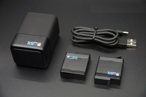 GOPRO AADBD-001 DUAL BATTERY CHARGER + TWO ORIGINAL BATTERY Hero 5 6 7 Black