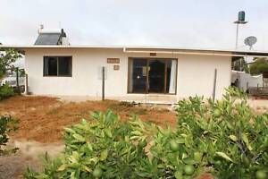 PATCHEWOLLOCK Strawbale Passive Solar House on 3/4 acre in town