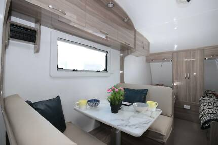 19 Ft Goldstar RV Brand new two single beds/High Gloss interiors
