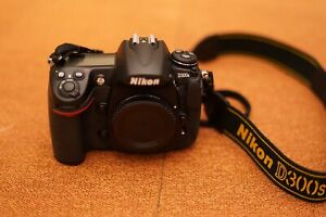 Nikon D300s body and lens kit