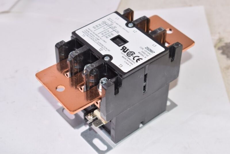 NEW Miller 252907 Definite Purpose Contactor 3 Pole 60 FLA 75A RES