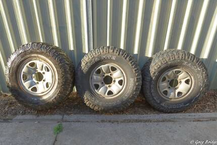 3 Landcruiser 5 Stud Steel rims with 285 75r16 MTZs