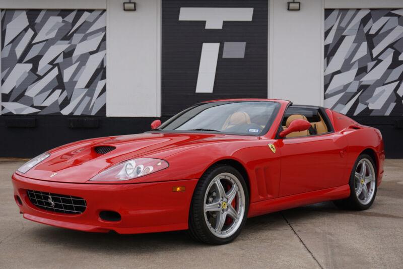 Image 4 Voiture Européenne d'occasion Ferrari Superamerica 2005