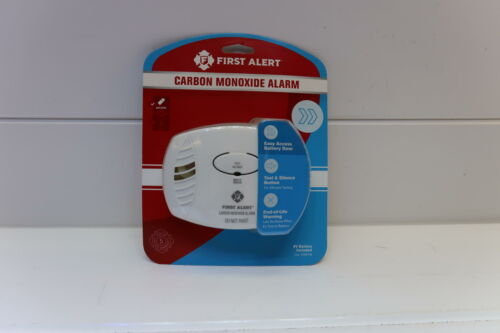 First Alert CO400 Carbon Monoxide Detector, White - FREE SHI