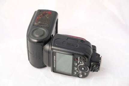 Nikon SB900 speedlight - excellent condition