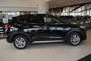 2018 Hyundai Tucson SE w/ PANORAMIC ROOF / LEATHER / AWD